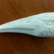 Профиль орла фрагмент рога косули 04 1000